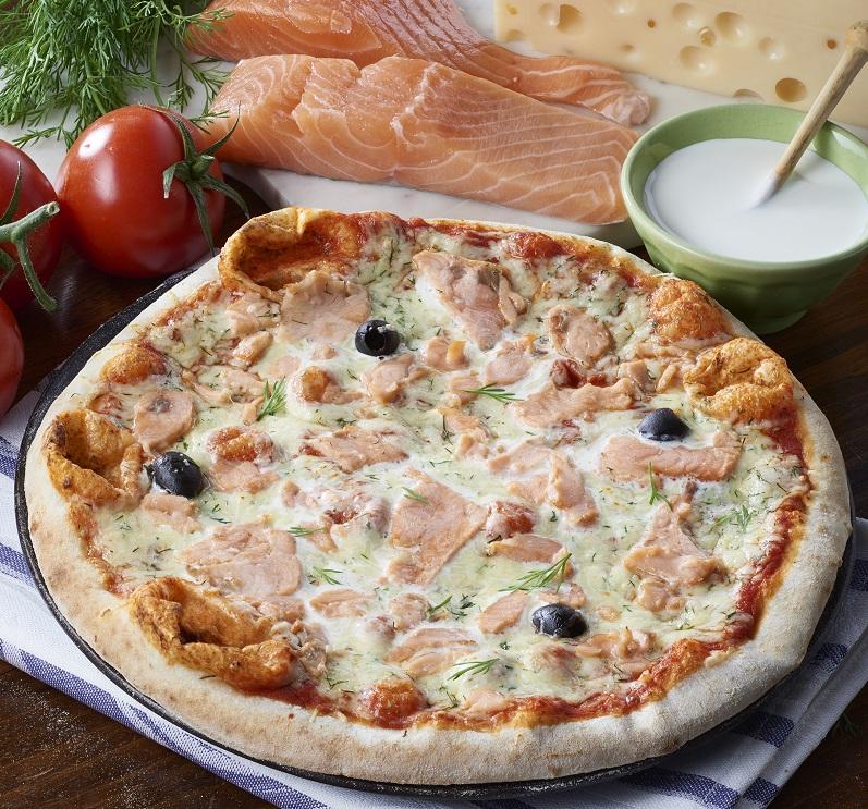 pizza au saumon fum spartacus produits surgel s pour. Black Bedroom Furniture Sets. Home Design Ideas